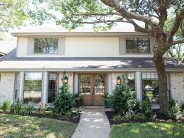 House Images Gallery Hgtv U0027s Fixer Upper With Chip And Joanna Gaines Hgtv