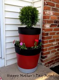 Painting Garden Pots Ideas Painting Plastic Planters Infarrantly Creative