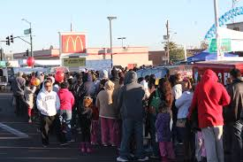 thousands flock to south mcdonald s for free thanksgiving