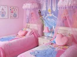 royal princess bedroom design with twin bed and pink color