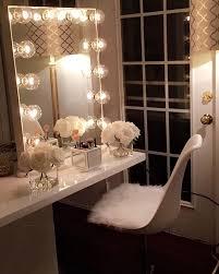 Makeup Vanity Mirror With Lights Absolutely Stunning Light Up Vanity Set Vanity Closet