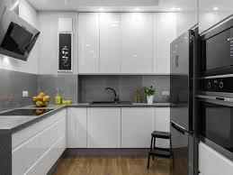cuisines blanches et grises idées décoration pour égayer une cuisine blanche simon mage