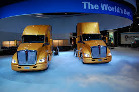 new kenworth trucks photo gallery kenworth truck co unveils new t 680 tractor