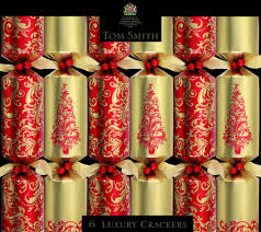 christmas crackers gold luxury christmas crackers