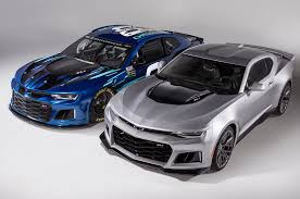 Dodge Challenger Nascar - chevrolet u0027s new nascar race car will look like a camaro zl1