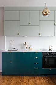 meuble cuisine bleu meuble cuisine bleu une cuisine bleu iceberg frache et rtro with