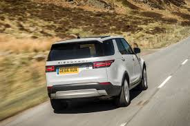 new land rover discovery drive co uk the 2017 all new land rover discovery reviewed