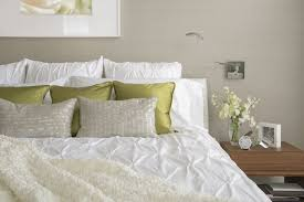 how to place throw pillows on a bed what to do with throw pillows at night
