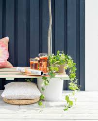 prepare for the brighter days and make a bench out of wooden