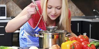 femme en cuisine j ai testé pour vous un atelier cuisine et bien être femme actuelle
