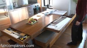küche mit esstisch esstisch oder arbeitsfläche ein hydraulisch verstellbares