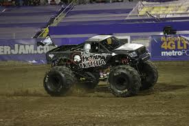 grave digger the legend monster truck las vegas sam boyd stadium monster jam