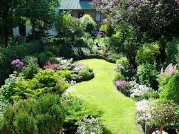 back yard landscaping with garden using edging then also for small