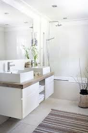 Modern White Bathroom Vanity Best 25 Modern White Bathroom Ideas On Pinterest Modern