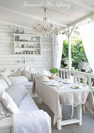 Shabby Chic Apartments by Best 25 Shabby Chic Porch Ideas On Pinterest Porches Porch