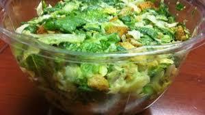cuisiner la salade verte salade verte au poulet restes cornichons oeufs durs recette