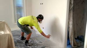 Do You Paint Ceiling Or Walls First by Painting Emulsion Walls Quickly With Sprayer Youtube