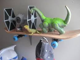 Dinosaur Home Decor by Skateboard Shelves How To Crafthubs Diy Shelving Idolza