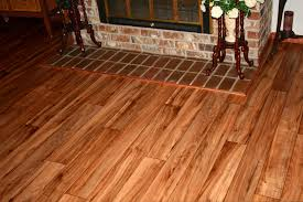 home design linoleum flooring that looks like wood planks for
