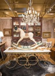 best antique shopping in texas shopping at leftovers antiques holly mathis interiors