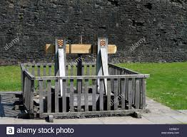 what is the meaning of siege caerphilly castle a mangonel derived from greco word
