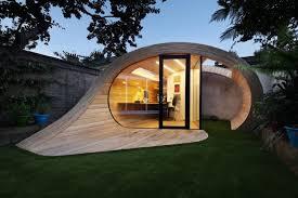 bureau de jardin bois design exterieur bureau de jardin design futuriste coque parement