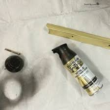 How To Paint The Hinges Or Hardware On Your Cabinets Or Furniture I Painted The Hinges Spray Paint Cabinets Kitchens And Strip Paint