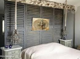 fabriquer une chambre utilisez des persiennes de récup pour fabriquer cette tête de lit