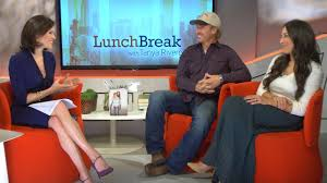 fixer upper u0027 hosts chip and joanna gaines on marital bliss