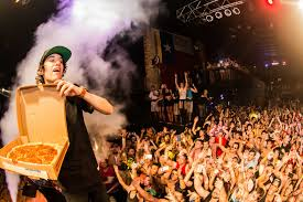 spirit halloween san marcos boerne native crizzly does u0027crunkstep u0027 in a 2 stepping town san