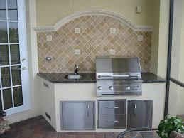Outdoor Island Kitchen 28 Outdoor Kitchen Backsplash Outdoor Kitchen With Arched