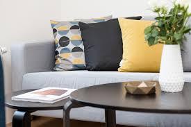 what colour curtains go with grey sofa living room light grey living room ideas what colour curtains go