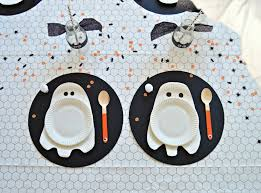halloween plates create a bootiful diy halloween table diy home decor your diy