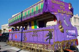 mardi gra floats who dat rollin on dat float mardi gras 2010 there s still some
