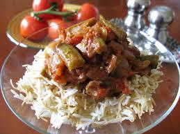 cuisiner des gombos au gré du marché ragoût de gombos okras et riz libanais