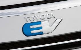 toyota rav4 electric range 2013 honda fit ev vs 2012 toyota rav4 ev comparison motor trend