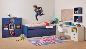 chambre enfant avec bureau bureau enfant comment le bien décorer se rapportant à chambre