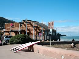 the world u0027s best taco bell is located on a beach in california