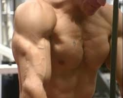 Bench Press Does Not Build A Bigger Chest How To Get A Big Chest Dumbbell Bench Press And Flyes With Victor