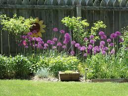 Backyard Raised Garden Ideas by Diy Flower Garden Fence Home U0026 Gardens Geek
