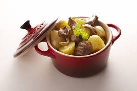 cuisine à la cocotte recette de cocotte de bœuf aux senteurs bourguignonnes pommes