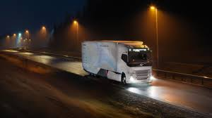 buy volvo semi truck volvo concept truck u0027s gets 30 percent cleaner from new hybrid