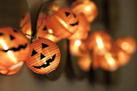 Thriller Halloween Lights by How To Throw A Great Halloween Party With Thumbtack Thumbtack