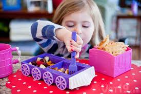Thomas The Train Desk Chew Chew Train Adorable Dinner Set That Looks Like A Train