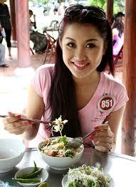 Nguoi dep xu dua Nguyen Minh Ngoc Tram voi to mi Quang. - 75190884-213640_2