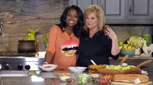 Kim Zolciak Kitchen by Watch Kandi Burruss Boss Nancy Around In The Kitchen Cooking