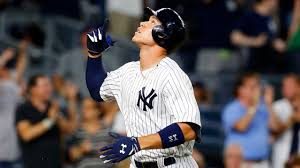 Aaron Judge Breaks Joe Dimaggio S Yankees Rookie Home Run Record - aaron judge breaks joe dimaggio s yankees rookie home run record
