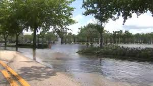 sawgrass mills mall closed for third day because of flooding