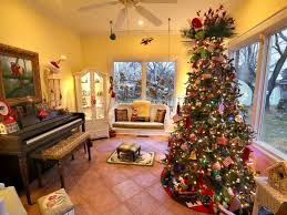 How To Decorate Your Home For Christmas Inside This Couple Has 50 Christmas Trees Inside Their House Abc News