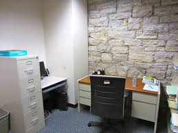 30 brilliant windowless office decorating ideas yvotube com